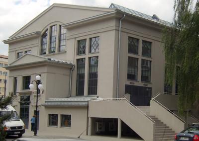okna-ppoz-agh-krakow-caly-budynek