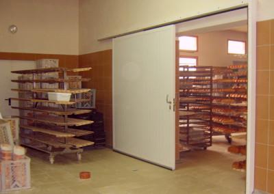 stalowe-drzwi-przesuwne-piekarnia