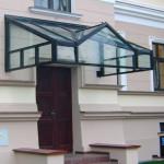 swietlik-dachowy-nad-drzwiami