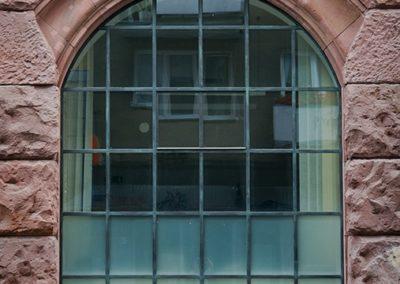 okno stalowe ze szprosami