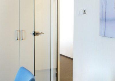 bezramowe-szklane-drzwi