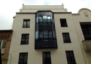 fasada szklana Paryż