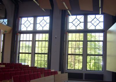 okna ze szprosami z profili stalowych AGH